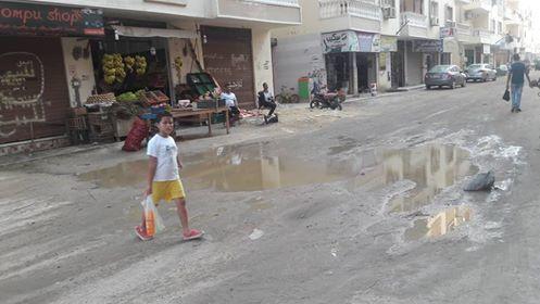 غرق  عمارات فى شارع بالبحر الاحمر فى مياه الصرف الصحى   (1)