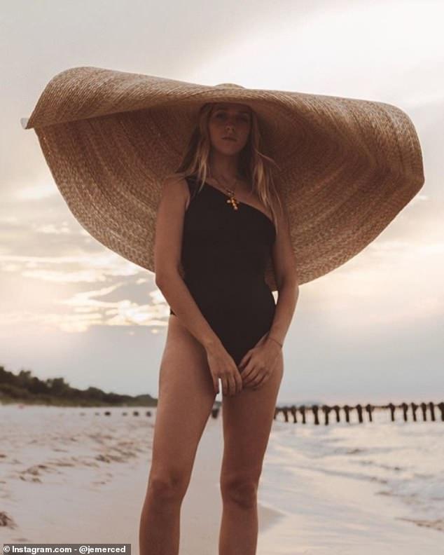 القبعة  الكبيرة