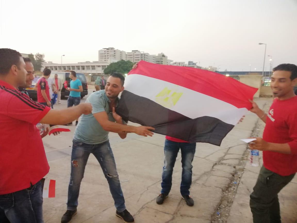 الجماهير تؤازر الاهلى فى لبنان