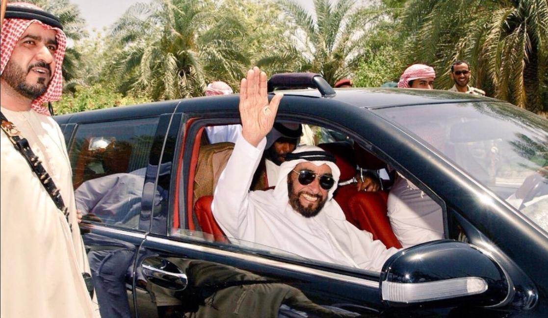 الشيخ زايد يتفقد مشروعات زراعية وعمرانية عام 1997