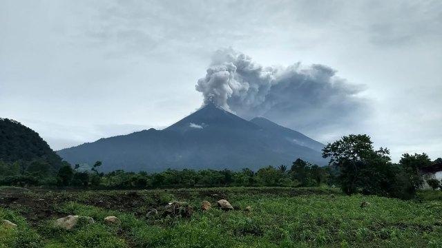 بركان فويجو بجواتيمالا
