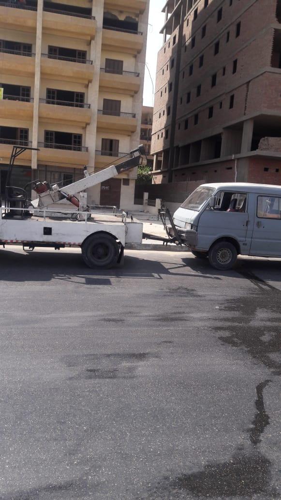 رفع السيارات المتهالكة من الشوارع