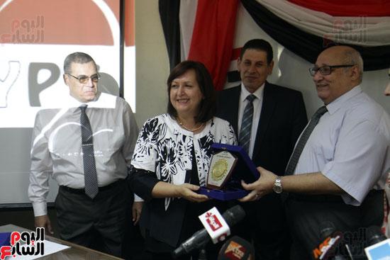 افتتاح احد الاقسام بمركز ذوى الاحتياجات الخاصة بجامعة عين شمس  (14)