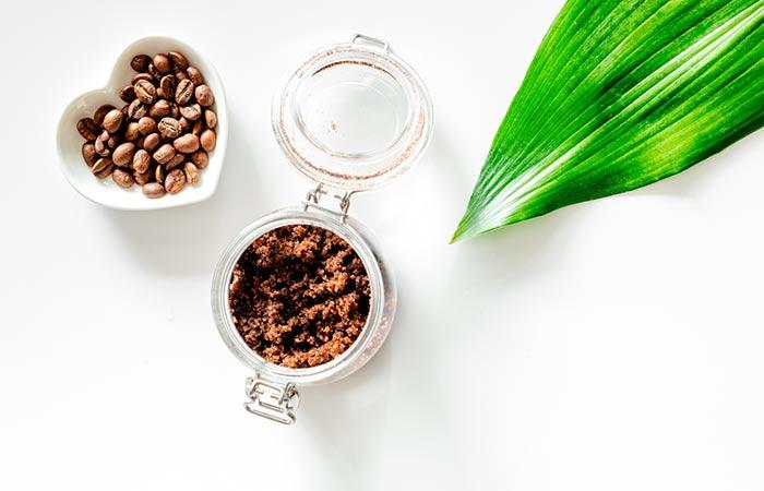 سكراب القهوة وزيت جوز الهند