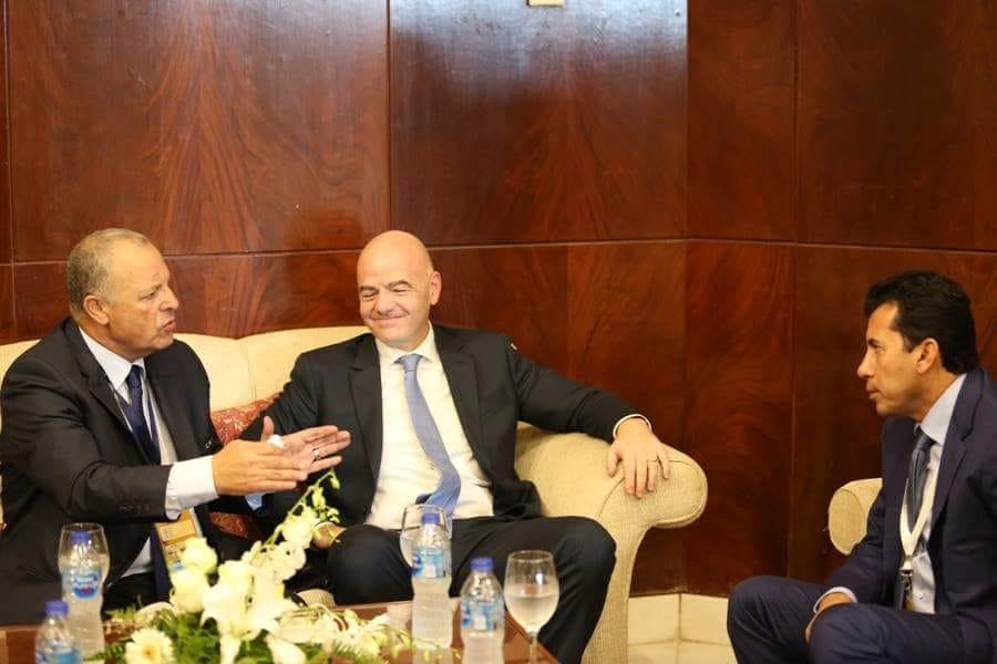 وزير الرياضة مع أبو ريدة و رئيس الفيفا