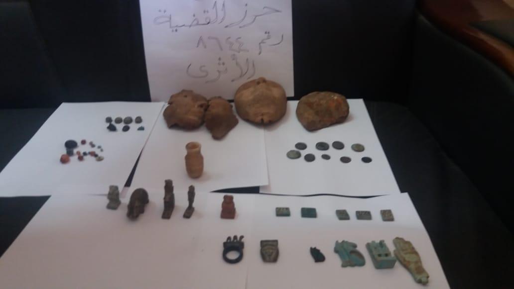 القطع الأثرية المضبوطة (1)