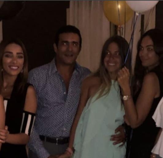 منة وزوجها وأصدقائها