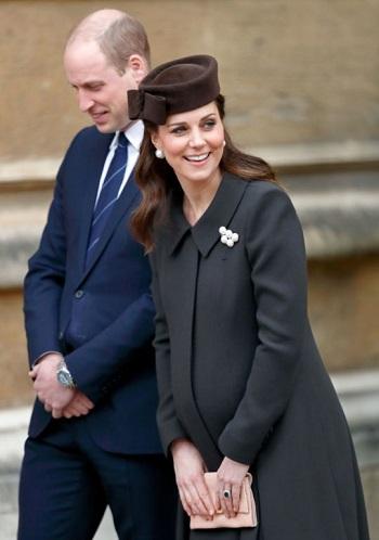 المعطف الطويل الذى ارتدته كيت ميدلتون أثناء الحمل