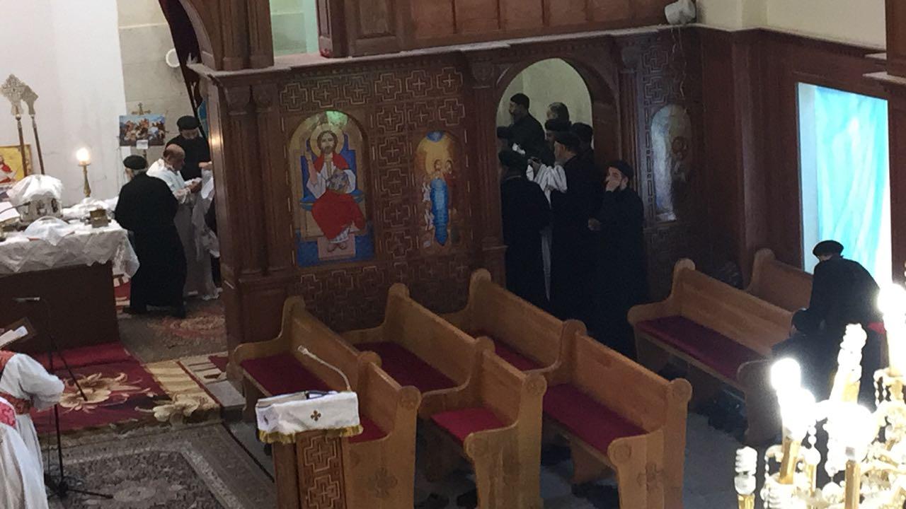 صلاة قداس الأربعين للأنبا أبيفانيوس بكنيسة العذراء بطنطا (5)