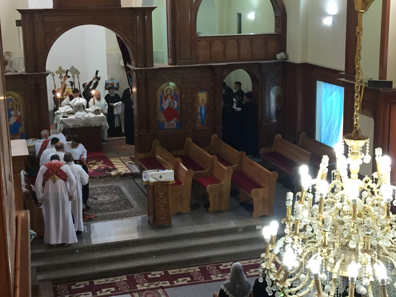 صلاة قداس الأربعين للأنبا أبيفانيوس بكنيسة العذراء بطنطا (1)