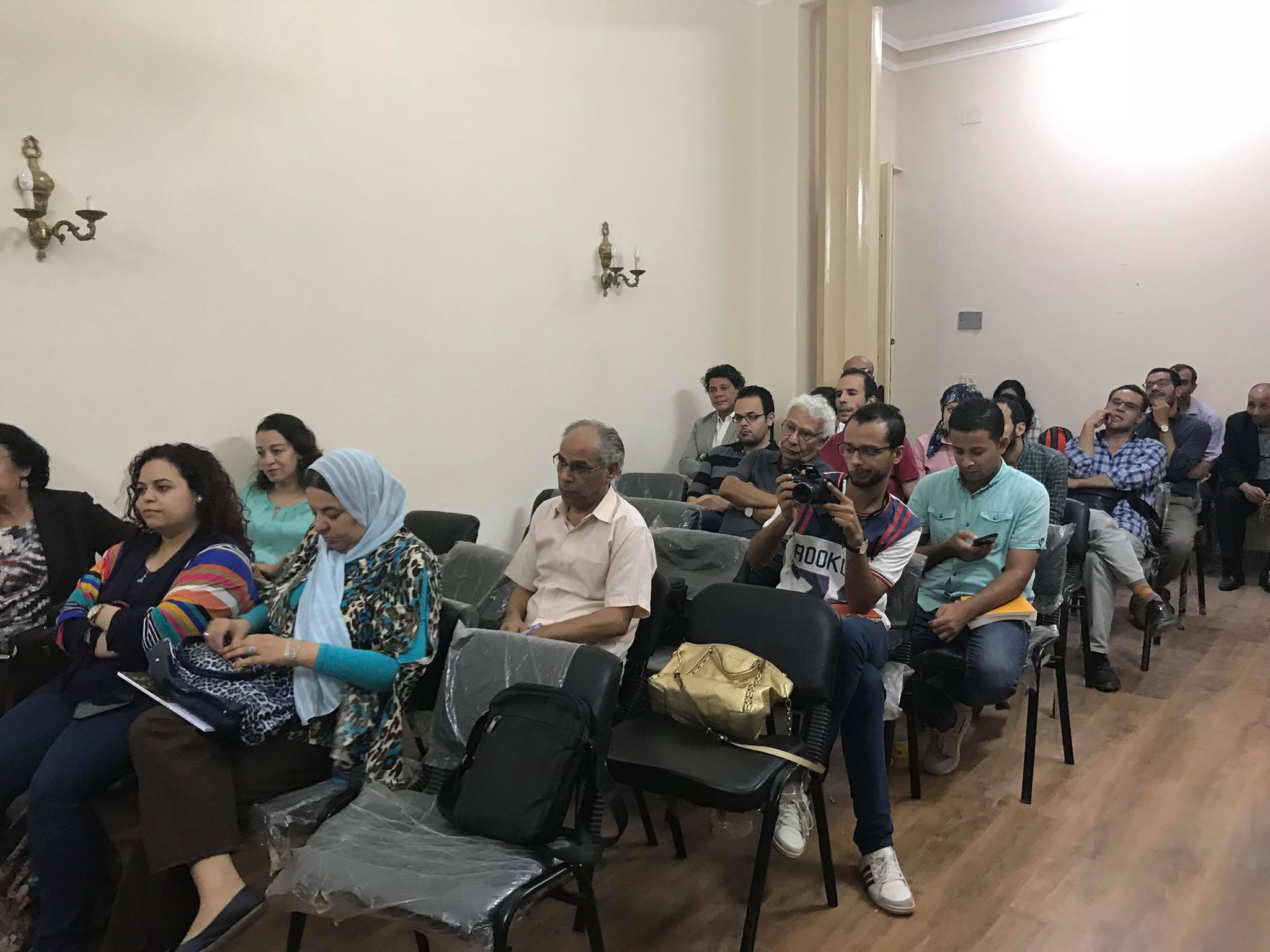 مناقشة حروب فاتنة للكاتب حسن عبد الموجود فى مؤسسة بتانة (2)