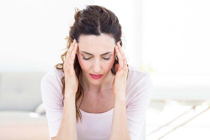 أعراض الصداع ألم في جهة واحدة من الرأس أو حتى الجهتين من الرأس نبض في الرأس خدر وتنميل في الرأس أعراض خاصة في Movie Posters Movies Poster