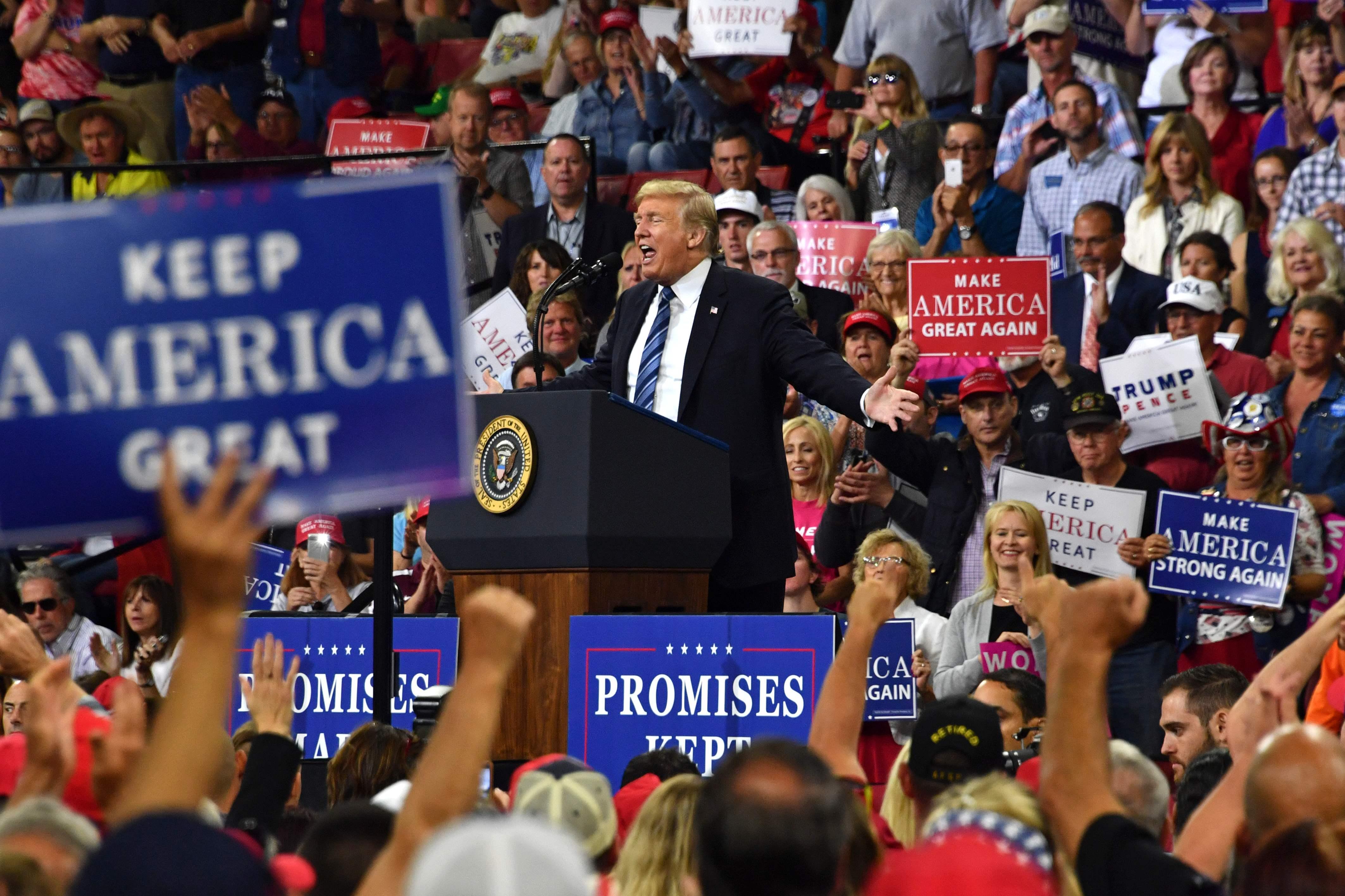 ترامب خلال تجمع انتخابى فى بيلينغز بولاية مونتانا