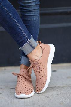 أحذية الخريف (1)