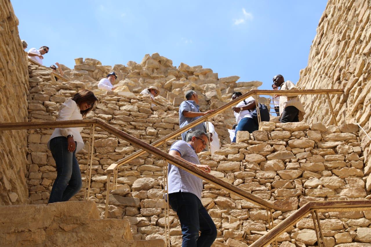 وزير الآثار ووزيرة الهجرة فى المقبرة الجنوبية للملك زوسر (2)