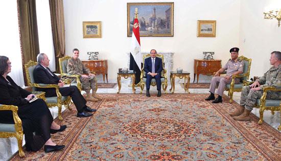 السيسى يبحث مع قائد القيادة المركزية الأمريكية التعاون العسكرى (2)