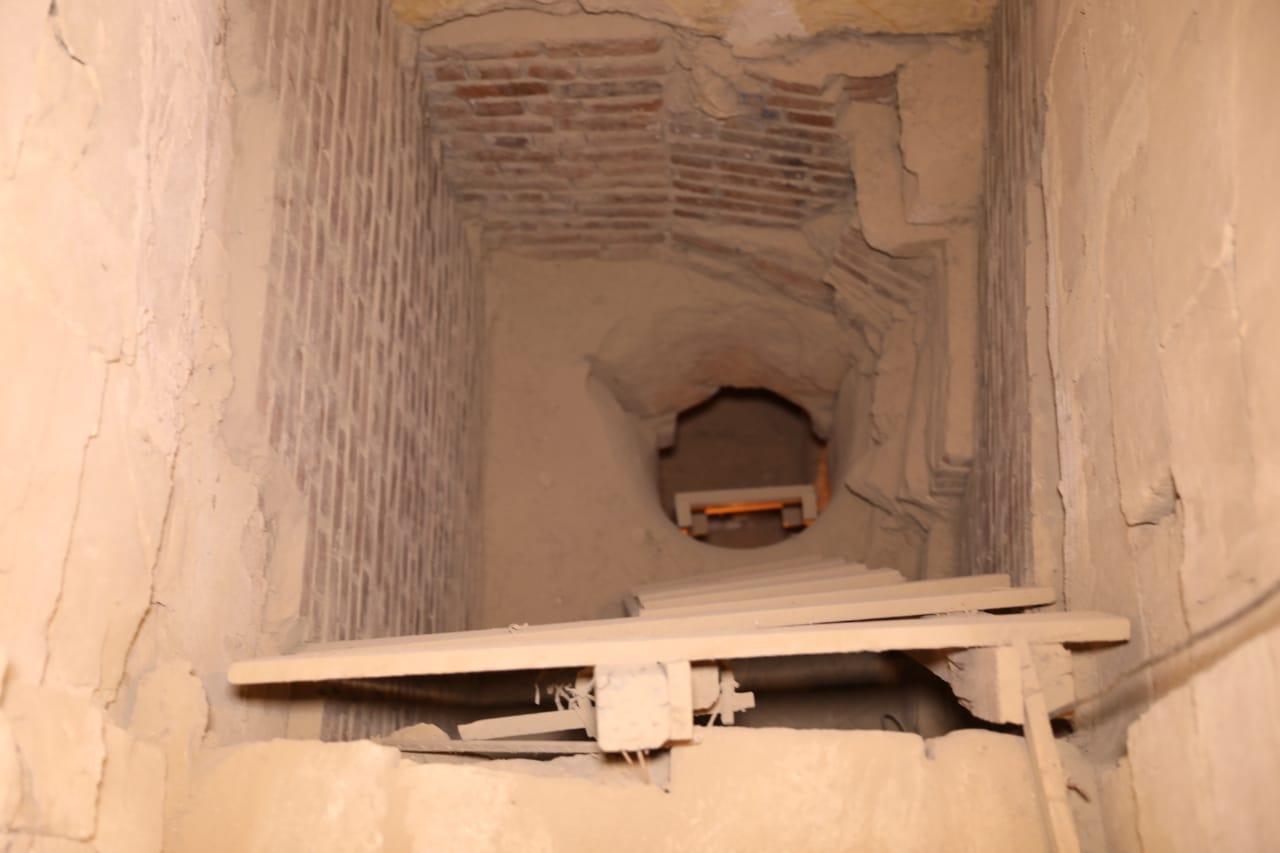 وزير الآثار ووزيرة الهجرة فى المقبرة الجنوبية للملك زوسر (5)