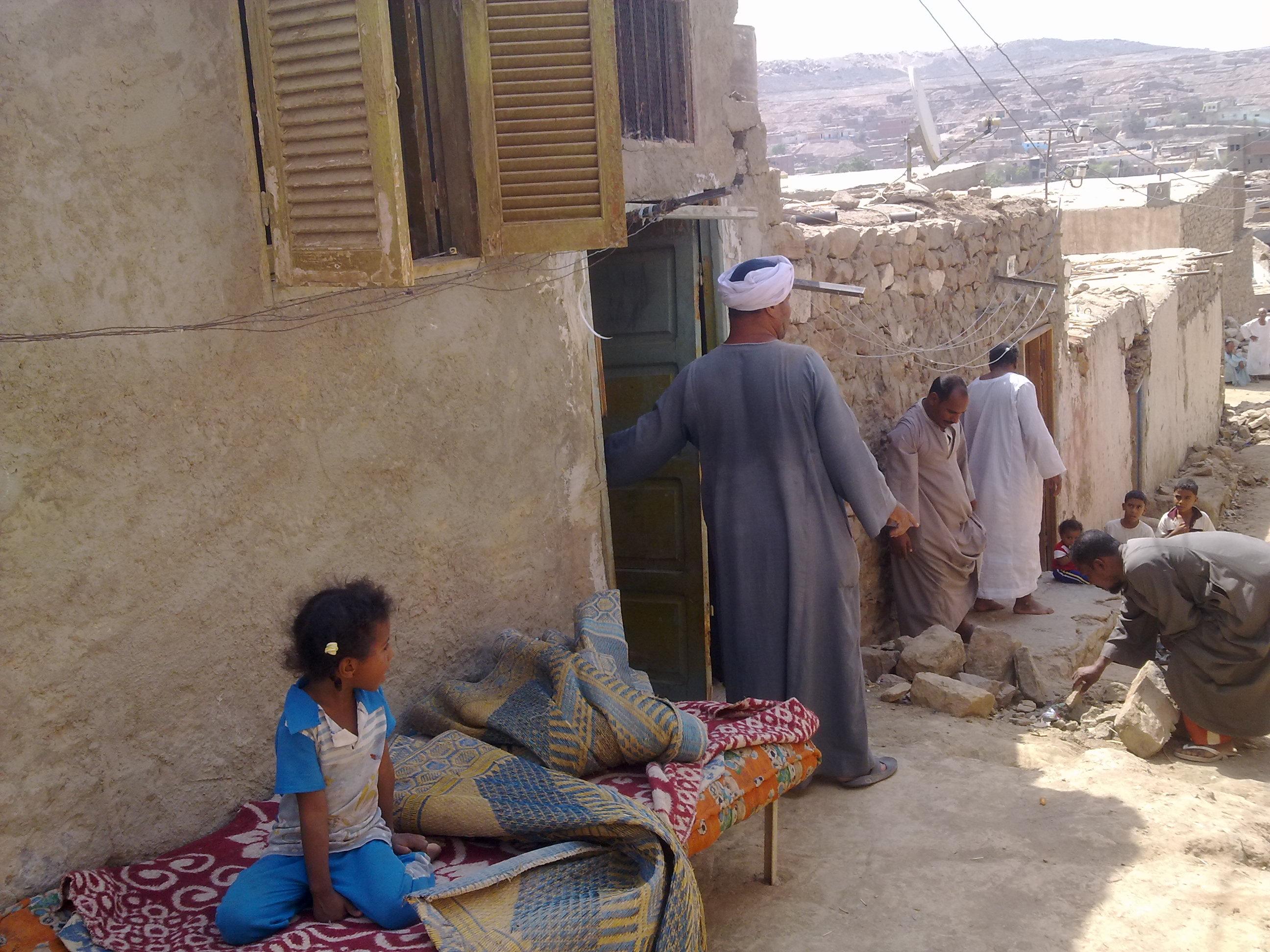 حياة السكان فوق القمم الجبلية