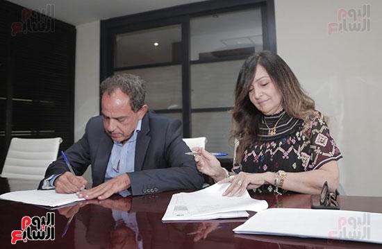 سينرجى وشبكة تواصل الشرق الأوسط MCN توقعان بروتوكول تعاون استراتيجى (3)