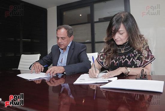 سينرجى وشبكة تواصل الشرق الأوسط MCN توقعان بروتوكول تعاون استراتيجى (4)