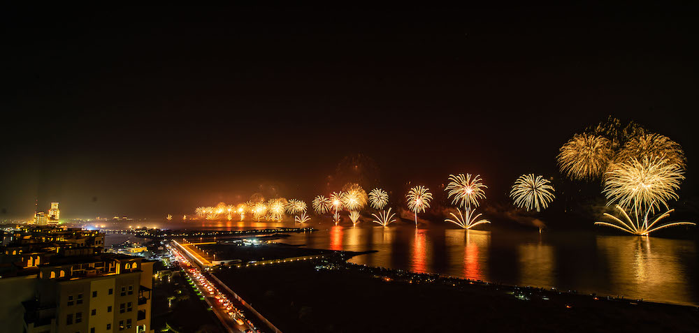 121-135125-khaimah-uae-fireworks-new-year-guinness-3