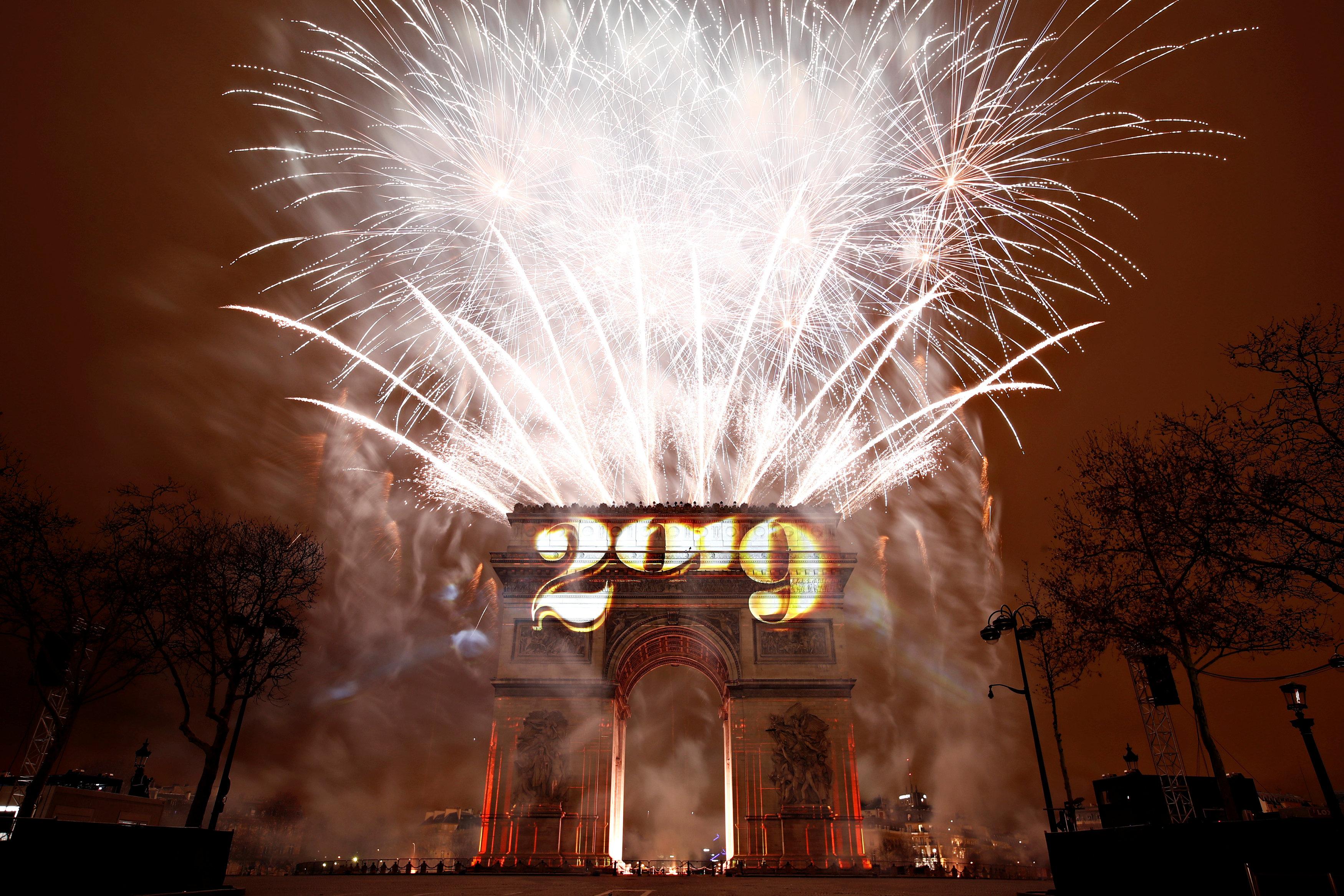 فرنسا تحتفل بـ2019