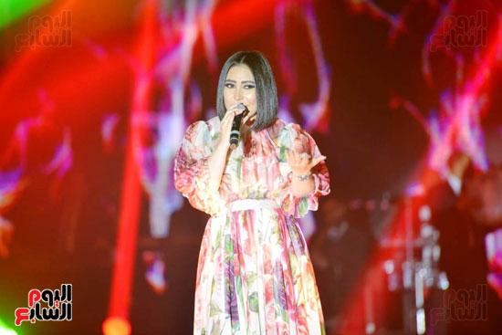 بوسى تشعل أجواء ليلة رأس السنة بأجمل أغانيها (2)
