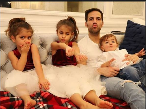 سيسك فابريجاس مع أبناؤه