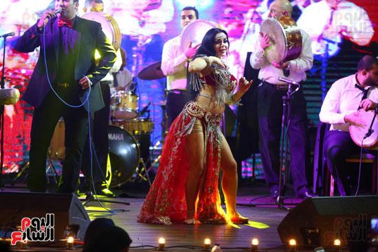 آلا كوشنير تحيى حفل رأس السنة بأحد الفنادق (30)