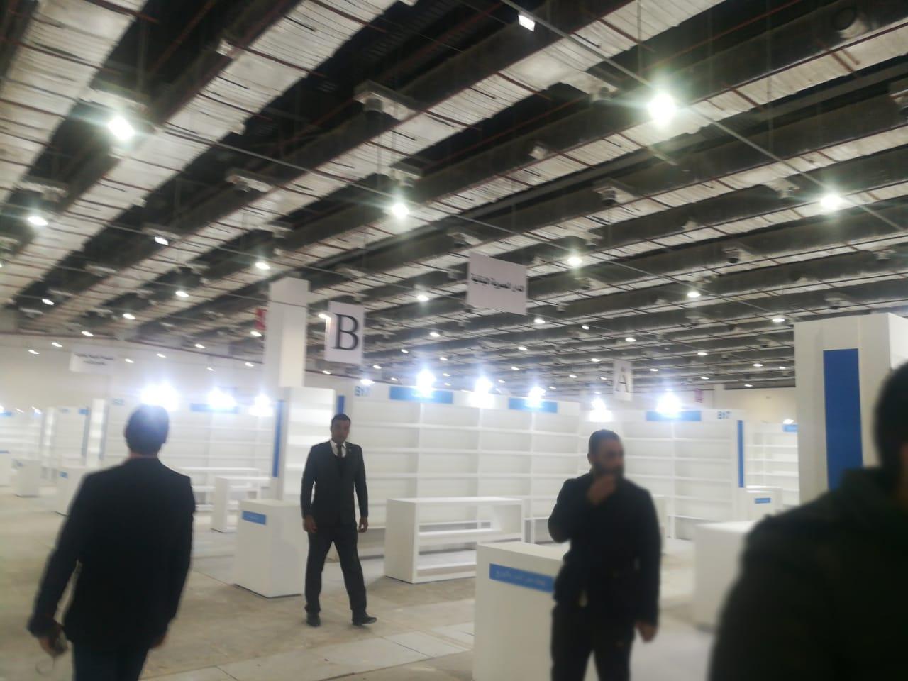تجهيزات معرض القاهرة للكتاب (1)