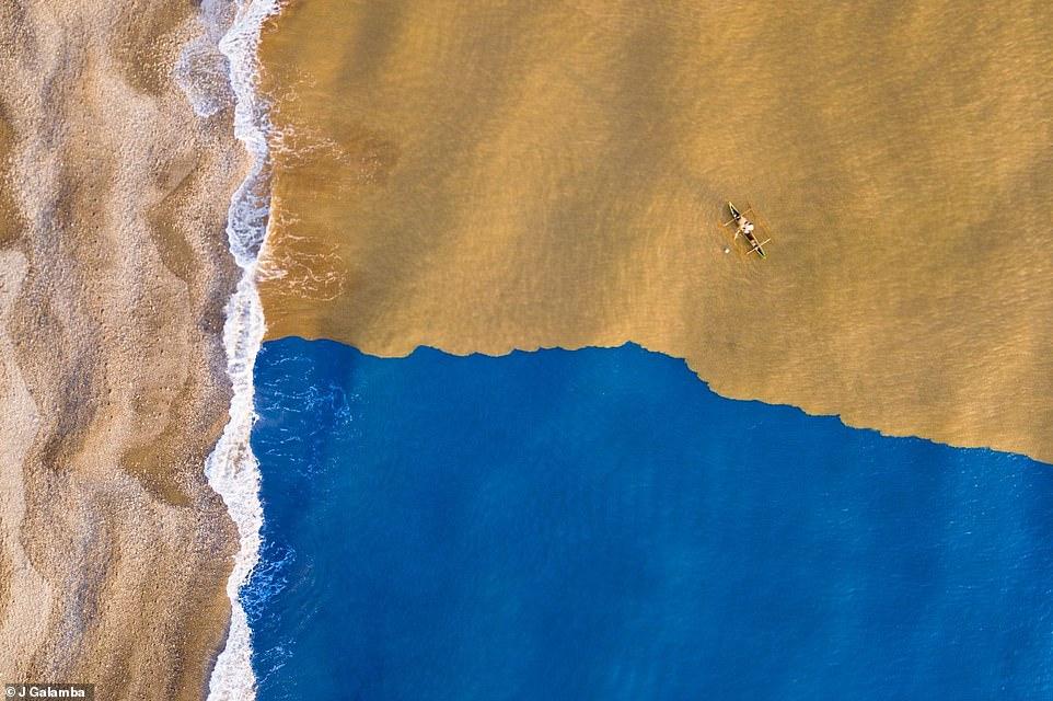 التقاء النهر بالبحر