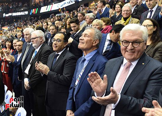 صور رئيس الوزراء يشهد افتتاح بطولة العالم لكرة اليد للرجال  (6)