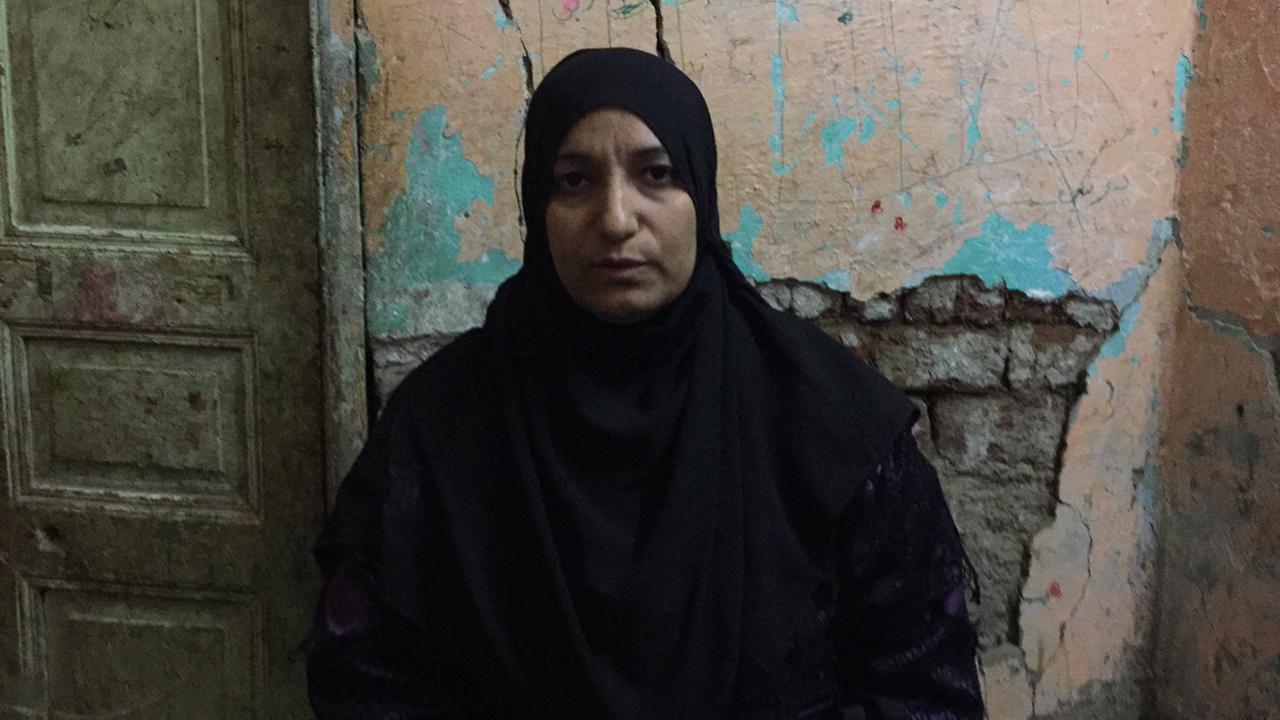 أرملة بسوهاج تعول طفلين ومديونة بسبب العلاج  (9)
