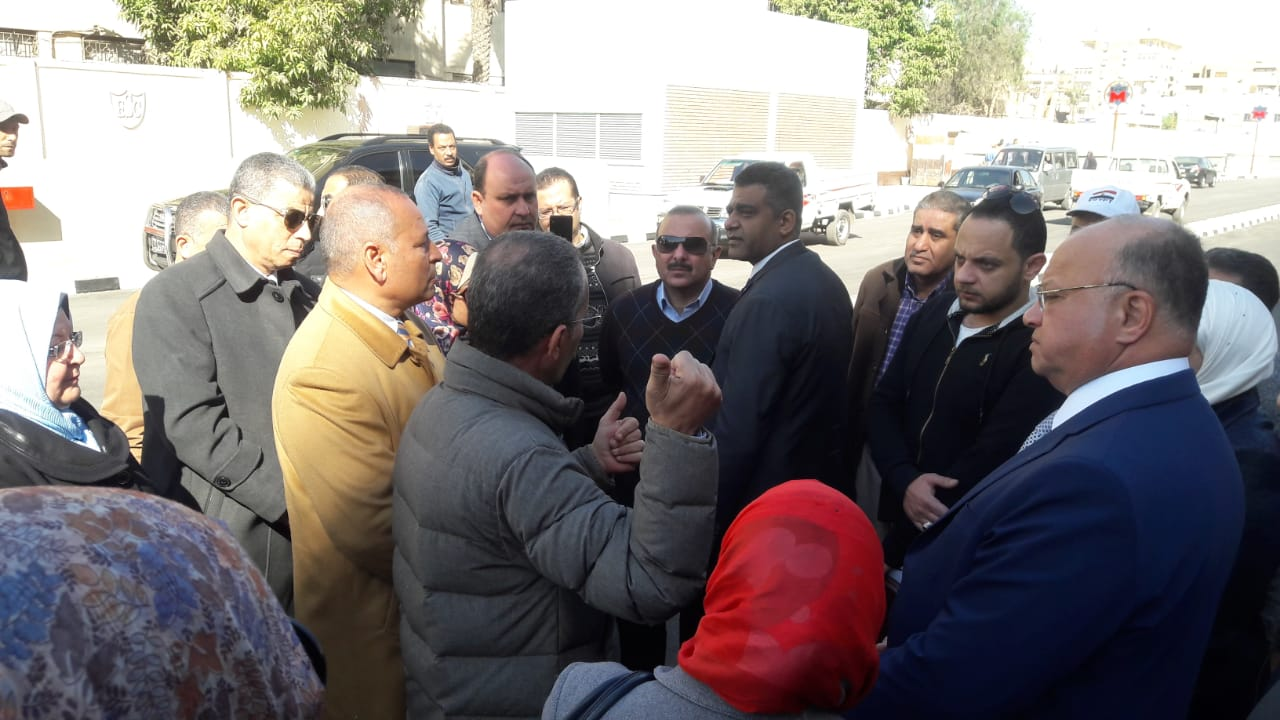 محافظ القاهرة يتفقد عددا من محطات المترو (5)