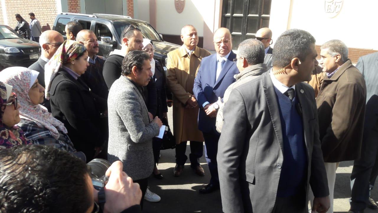محافظ القاهرة يتفقد عددا من محطات المترو (3)