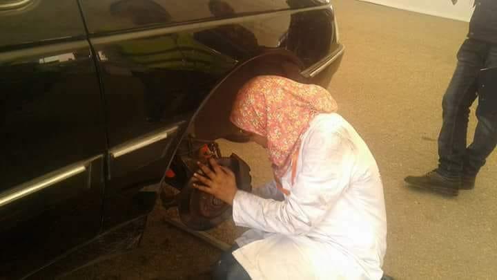 العمل بميكانيكا سيارات