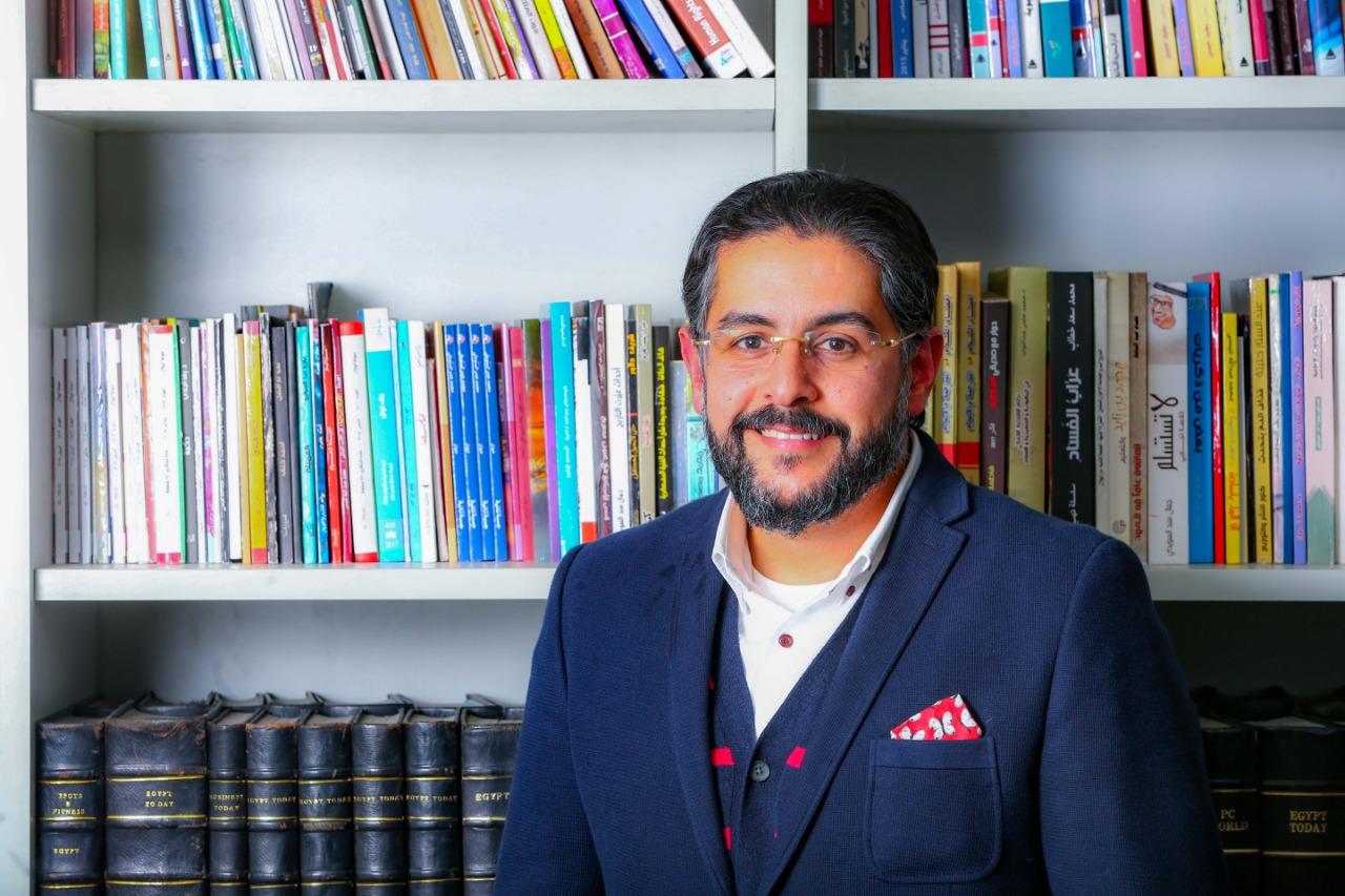 الدكتور وائل غانم استشارى جراحة التجميل وتنسيق القوام