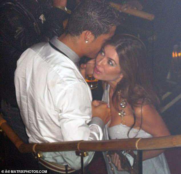 رونالدو مع فتاة الاغتصاب