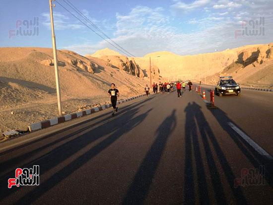 ماراثون مصر الدولى من أمام معبد حتشبسوت بالأقصر (11)