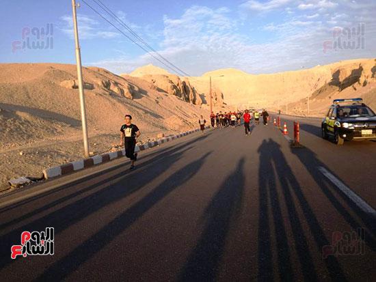 ماراثون مصر الدولى من أمام معبد حتشبسوت بالأقصر (6)