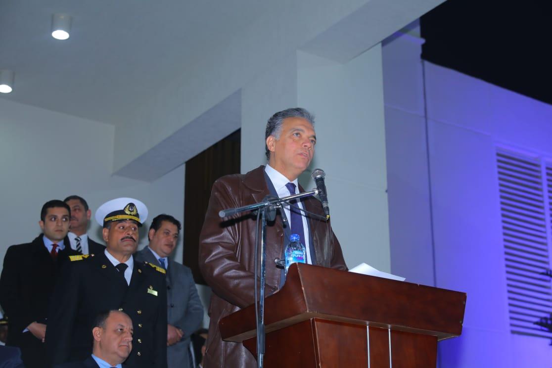 وزير النقل يشهد فعاليات حفل تخرج الدفعة الـ90 لطلبة كلية النقل البحرى (2)