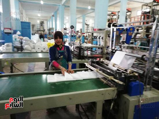 العاملات-بالمصنع-(9)