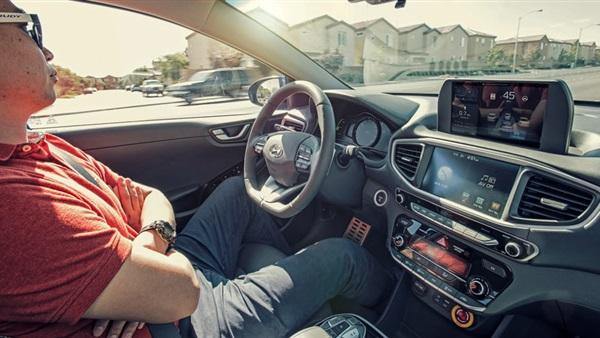 ارتباط الصفات الشخصية بالوان السيارة