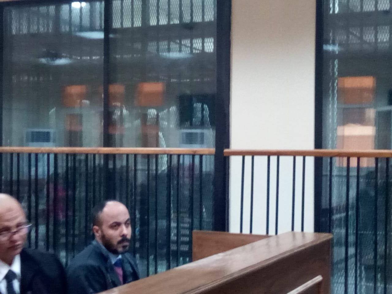 هيئة المحكمة برئاسة المستشار محمد سعيد الشربينى تفض احراز العائدون من ليبيا (7)