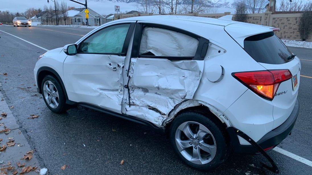 سيارة الشاب بعد فشل التحدى واصطدامه