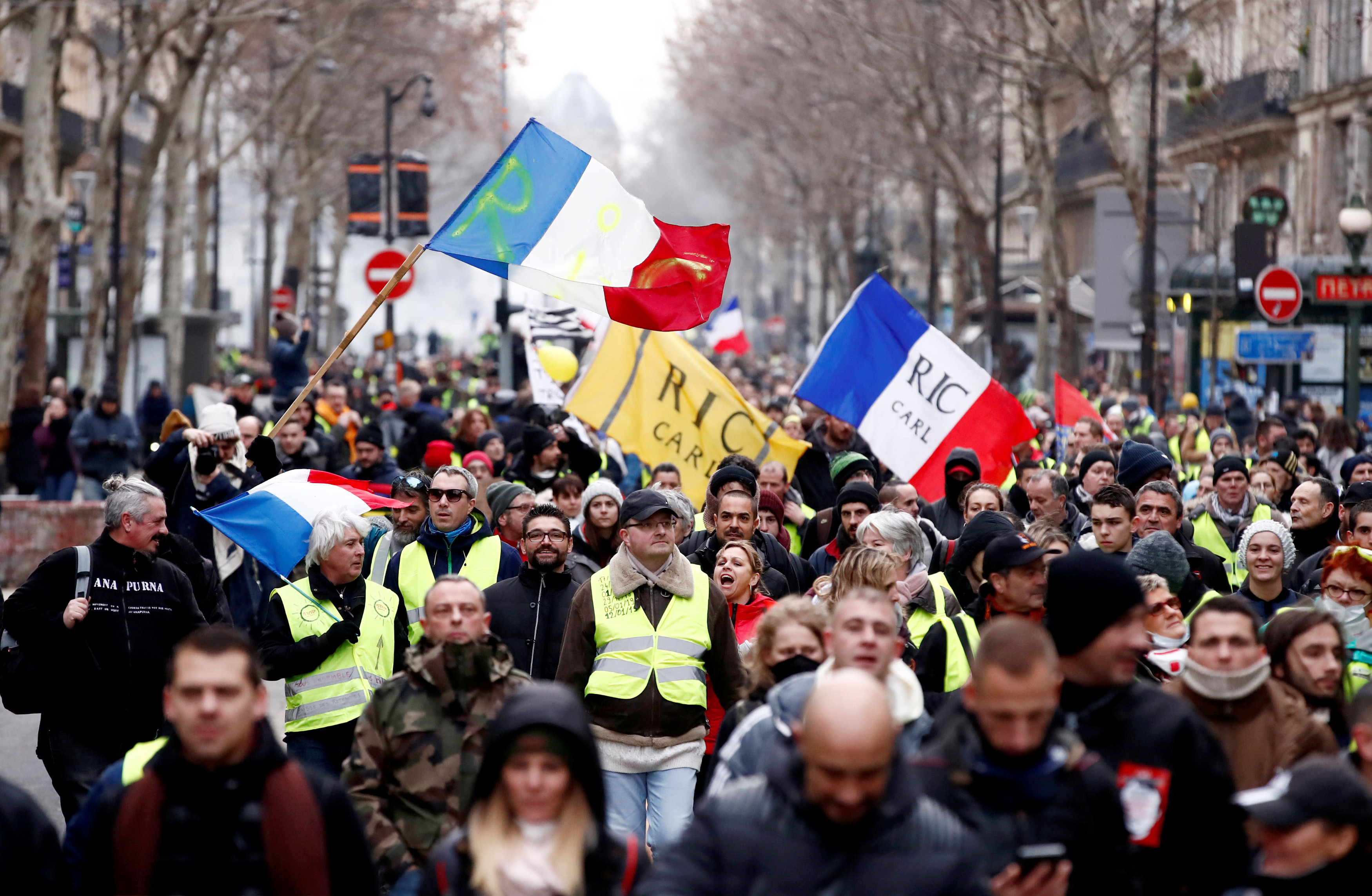 2019-01-12T120550Z_1325389709_RC11D7AEBC50_RTRMADP_3_FRANCE-PROTESTS