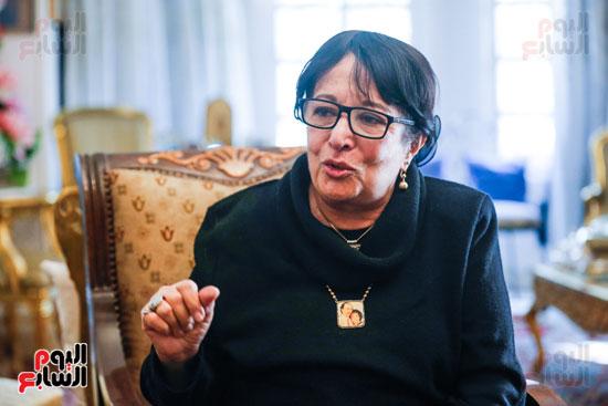 حوار  سميرة عبدالعزيز  (3)