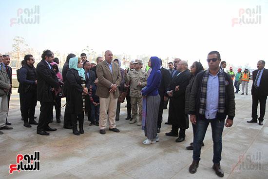 جولة لجنة الثقافة والإعلام والآثار بالبرلمان للمتحف المصري الكبير (13)