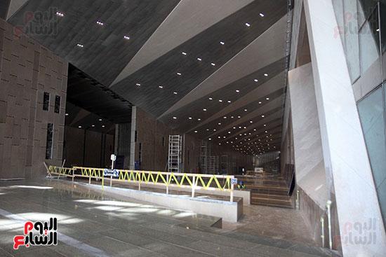 جولة لجنة الثقافة والإعلام والآثار بالبرلمان للمتحف المصري الكبير (29)