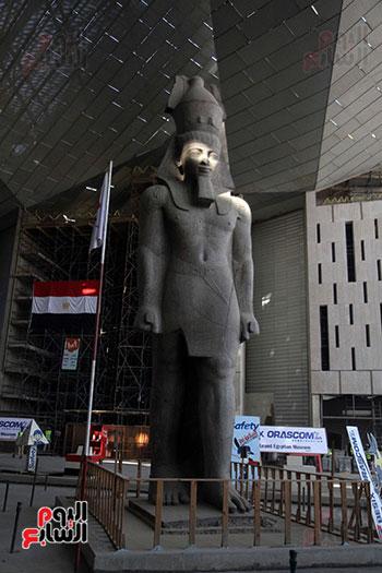جولة لجنة الثقافة والإعلام والآثار بالبرلمان للمتحف المصري الكبير (26)